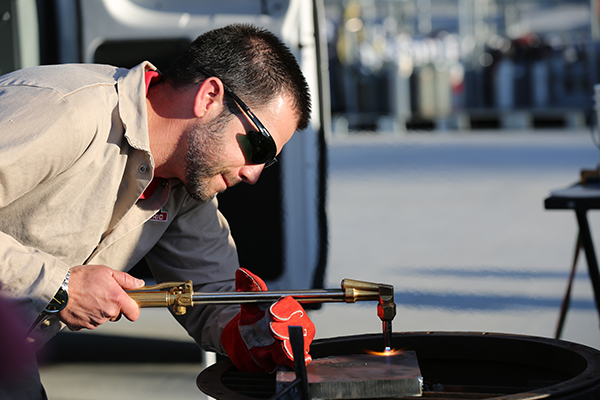 Harris (a Lincoln Electric Company) Chemtane 2 cutting fuel demonstration